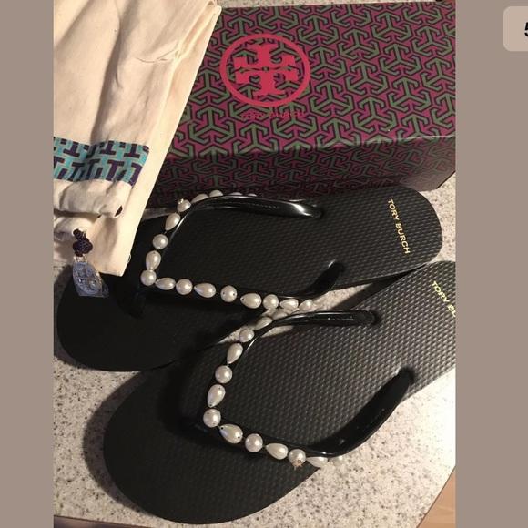 a1d4784e53e245 NIB Tory Burch pearl flip flops sandals